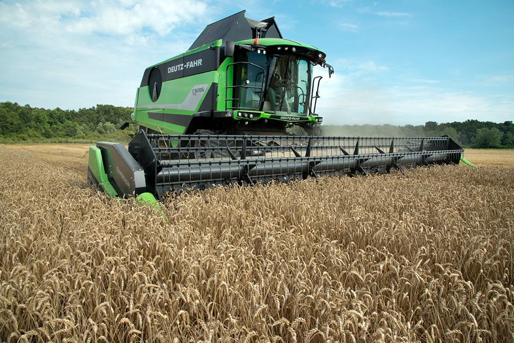 DEUTZ-FAHR C9000 combine harvester